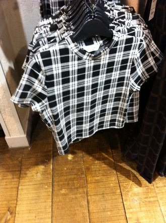 t-shirt checkered monochrome top miss selfridge london crop tops tank top white t-shirt black t-shirt black crop top white top white crop tops checked shirt checked top tartan skirt tartan top black and white