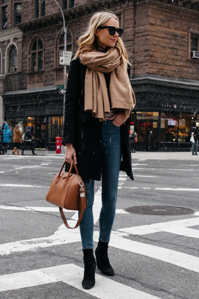 coat tumblr black coat scarf sunglasses winter outfits bag brown bag denim jeans blue jeans skinny jeans boots black boots
