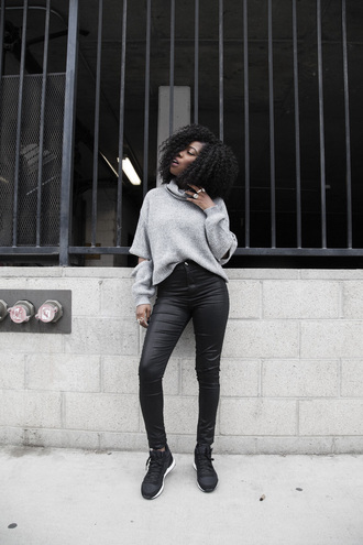 locks and trinkets blogger grey sweater leather pants black sneakers grey oversized sweater black leather pants pants black pants curly hair turtleneck turtleneck sweater grey turtleneck top