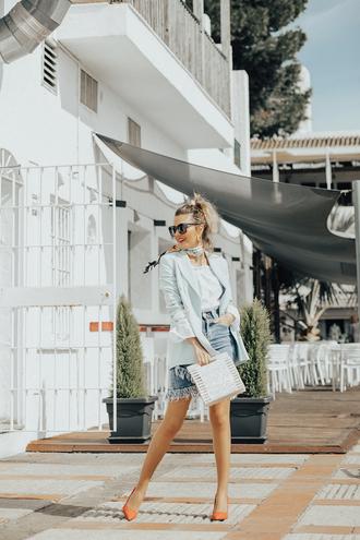 mi aventura con la moda blogger blouse skirt jacket jewels scarf sunglasses bag shoes spring outfits denim skirt pumps blazer