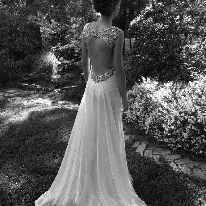 Fustanet ... ♥ FoTo ♥ - Faqe 5 Puhn56-l-c680x680-dress-clothes-wedding-backless-dress-long-gown-open-back-prom-dress-white-jewels-long-prom-open-back-maxi-dress-wedding-dress-long-prom-dress-elegant-white-dress-backless-white-dre