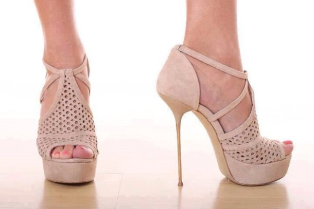 Shoes: beige shoes, light pink, high heels - Wheretoget