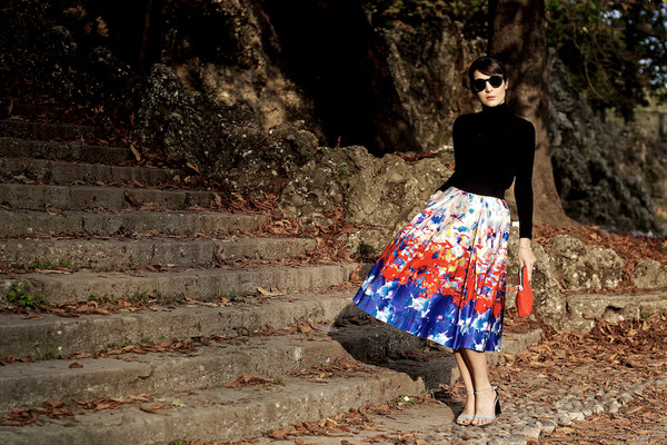 onto my wardrobe blogger top bag jewels floral skirt turtleneck sunglasses