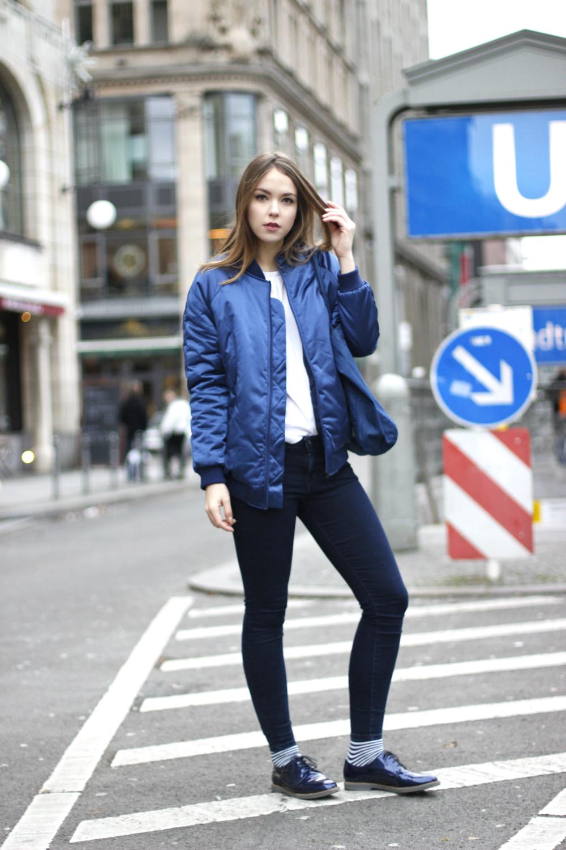 Blue vacuum seal jeans