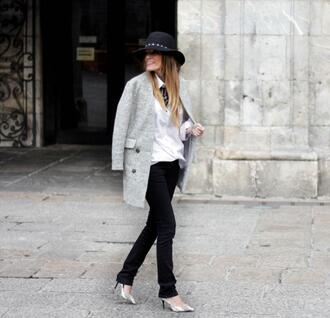 rebel attitude blogger coat jeans shoes t-shirt jewels hat