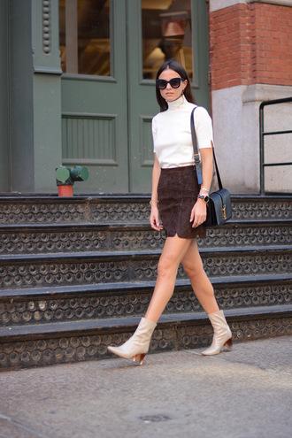 fashion vibe blogger skirt bag shoes sunglasses top