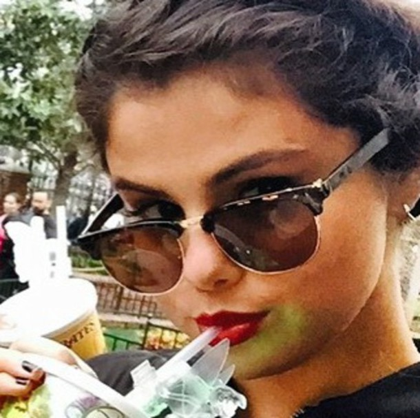 d40df053b6 ... Ray-Ban Clubmaster RB3016 W0365 - 51 - YouTube. Sunglasses  selena  gomez - Wheretoget