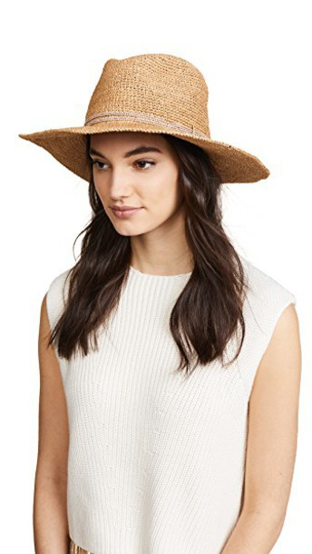 Hat Attack hat crochet blush