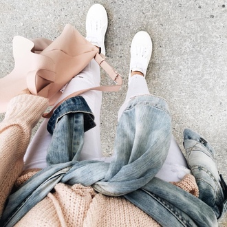 bag tumblr tumblr outfit pink backpack backpack back to school sneakers low top sneakers white sneakers ripped jeans white ripped jeans white jeans