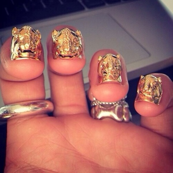 nail polish gold nails lion big nails jewels nail polish gold gold nails gold nails tigers gold tiger animal gold ring