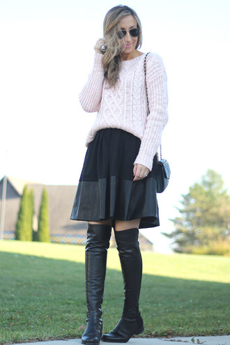lilly's style blogger pastel sweater flat boots
