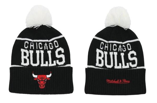 Mitchell & Ness Chicago Bulls Overcuff Pom Knit Beanie Black