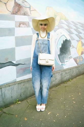 stella's wardrobe blogger bag denim overalls floppy hat