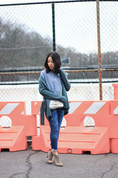 refined couture,blogger,jewels,blue sweater,shoulder bag,boots,cropped jeans,frayed denim