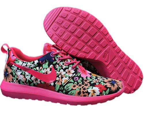 2015 women 39 s nike roshe run flower print running shoes pink clearance. Black Bedroom Furniture Sets. Home Design Ideas