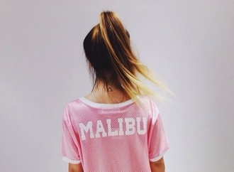 shirt malibu pink white girl t-shirt sportswear blouse top hipster swag basketball jersey tricot summer top mesh jersey ombre acid wash beach pastel pastel pink oversized t-shirt ombre hair print fashion jersey pink malibu jersey t-shirt butterfly skirt dress malibu top jersey t-shirt pinterest
