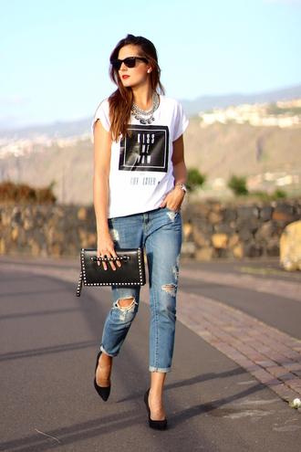 marilyn's closet blog blogger t-shirt jeans shoes bag jewels sunglasses