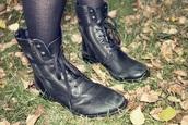 shoes,boots,deena and ozzy,deena&ozzy,black,blackbotts,double zipper