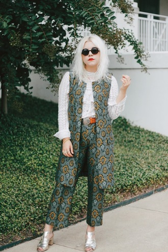 styles by hannah riles blogger make-up sleeveless coat pattern printed pants silver shoes white blouse blue pants jacquard silver sandals silver high heels sandals