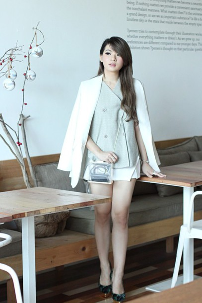 brown platform blogger jacket shorts bag shoes