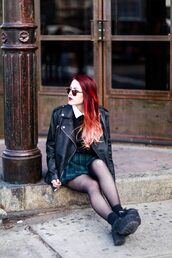 le happy,blogger,pleated skirt,plaid skirt,leather jacket,jacket,sweater,skirt,shoes