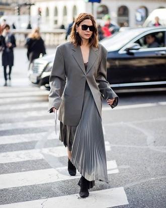 jacket blazer grey grey blazer oversized blazer sunglasses skirt boots black boots streetstyle maxi skirt pleated skirt pleated