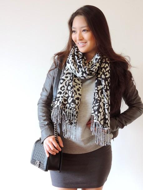 sensible stylista blogger scarf jacket bag black boots