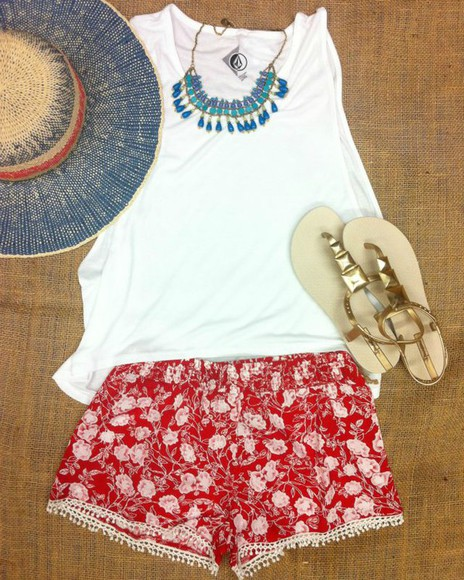 red red shorts shorts shoes t-shirt floral summer outfits jewels sandals hat 4th of july clothing 4th of july gold sandals gold sun hat floral shorts