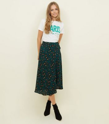 9ff2b40a81aa Green Leopard Print Midi Wrap Skirt | New Look