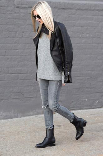le fashion image blogger sunglasses jacket sweater jeans