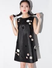dress,shift dress,little black dress,flower applique dress,applique dress,pixie market,pixie market girl,daily find,ootd,nanda style,korean fashion,korean style,korean trends,daily look