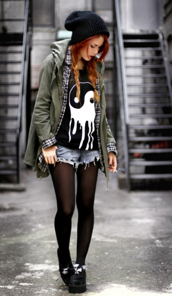t-shirt yin yang skinny smoking creepers jacket shirt yin yang shirt beanie denim shorts tights army green jacket yin yang black creepers hat blouse black yinyang grunge soft grunge t-shirt loose tshirt yin-yang grunge grunge black and white yin yang grunge 90s pretty shirt  need tumblrl girl nice shorts flannel shirt plaid shirt cool hipster le happy melt white punk goth emo alternative melting t-shirt rock punk rock ska skater skater girl rock band indie rock army green jacket green jacket olive green timberlands