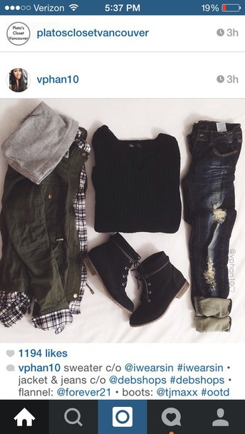 shoes boots combat boots black boots laced boots ootd jeans jacket