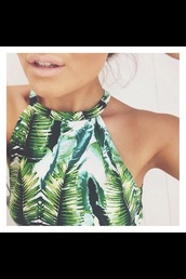 tropical,palm tree print,halter top,halter crop top,summer top,green,plants,printed top,print,tank top,halter neck,leaf/design,leaves,white,shirt,top,hawaiian,leaf print,rainforest,forest green,nature,indie,marijuana,crop tops,cropped,crop,forest,jungle,summer,spring,painting,garden,garden floral,palm leaf,weed,green and white,natural,palm tree,leafs,croptop palmtrees
