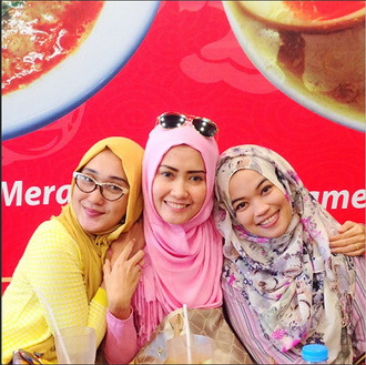 bright colorful spring yellow pink fall outfits cute scarf luluelhasbu muslim muslimah hijab winter outfits summer outfits spring outfits