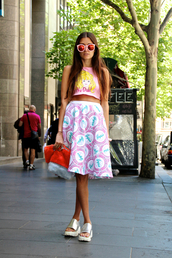 how to live,blogger,top,sunglasses,bag,jewels,mirrored sunglasses,barbie,midi skirt,holographic,sandals,pink
