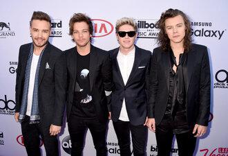 shirt billboard music awards harry styles one direction blazer suit menswear