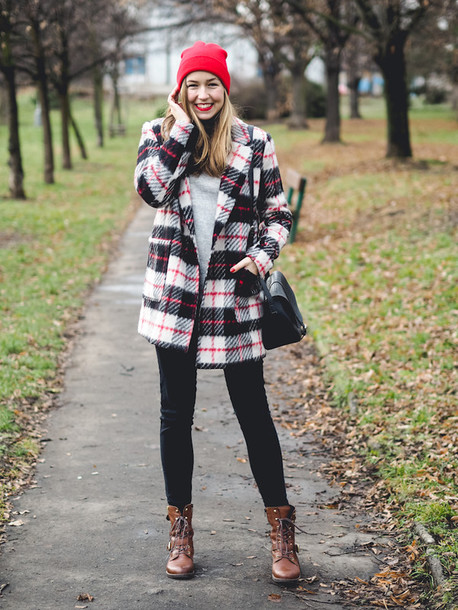 a cup of style blogger coat bag jeans shoes hat make-up