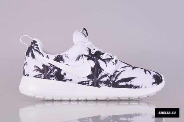 nike roshe run with palm trees