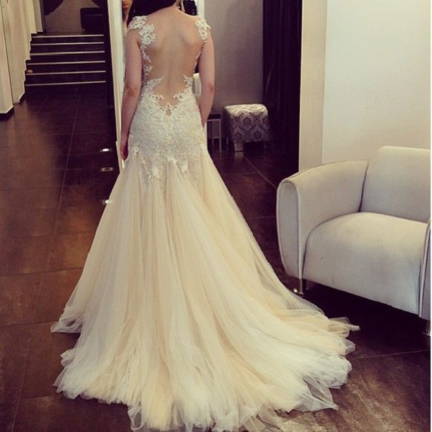 Dress wedding white pretty backless long prom lace for Very pretty wedding dresses
