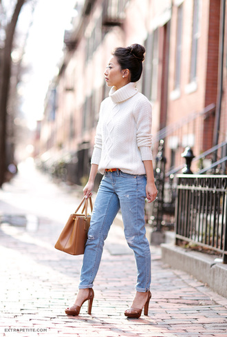 extra petite blogger belt hermes ripped jeans heels fall outfits