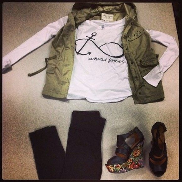 shoes shorts blouse t-shirt
