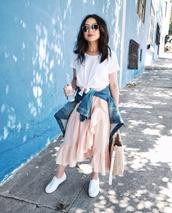 skirt,midi skirt,ruffle hem skirt,t-shirt,blogger,blogger style,wrap skirt,denim jacket,tote bag,white sneakers