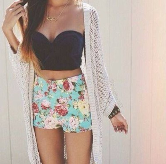 corset floral shorts top t-shirt summer outfits crop tops bustier skinny pants nude lace up denim shorts corset top party jacket cardigan blouse crochet necklace denim jacket High waisted shorts underwear