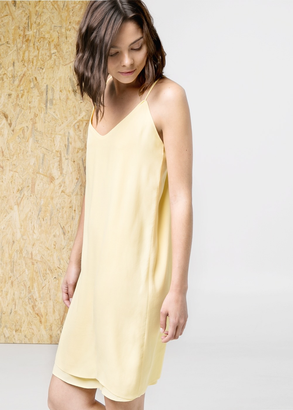 V-neckline dress -  							  							Women - 							MANGO
