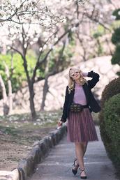 my blonde gal,blogger,skirt,belt,bag,jacket,blouse,shoes,pleated skirt,belt bag,blazer,pumps