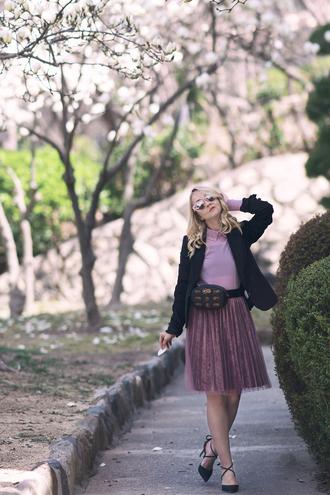 my blonde gal blogger skirt belt bag jacket blouse shoes pleated skirt belt bag blazer pumps