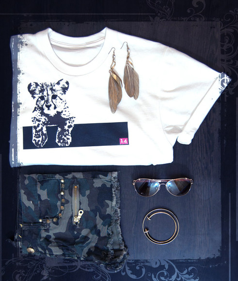 glasses t-shirt kitten 14 pink 14 casual white tshirt rolled sleeves rolled up sleeves crewneck earrings gold army green army print army shorts hipster bracelets rihanna london look fresh white t shirt impression14.com