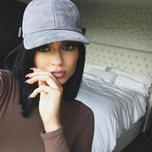 hat,kylie jenner,grey,lipstick,pink lipstick,black,brown,bedroom,bedding,white