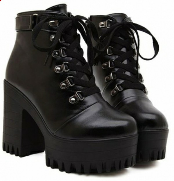 shoes platform shoes platform boots platforms black fashion black platforms lace up lace-up shoes lace-up shoes lace up heels lace up ankle boots black boots pale pale grunge tumblr boots tumblr outfit
